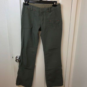 Old Navy olive green cargo pants. Sz 1